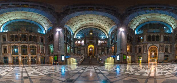 Panorama: Innenarchitektur des Bahnhof Antwerpen