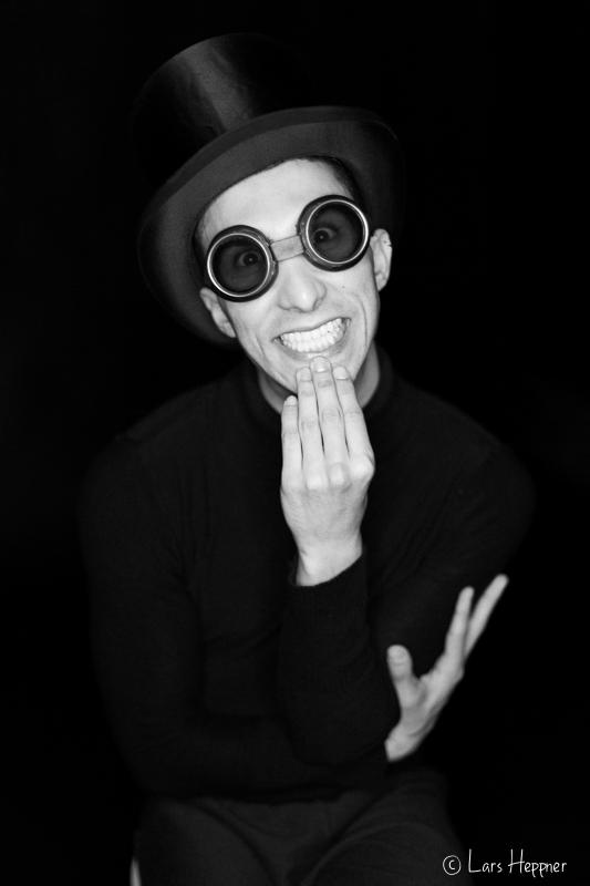 Lustiges Portrait vom Balletttänzer Gal Mazor Mahzari