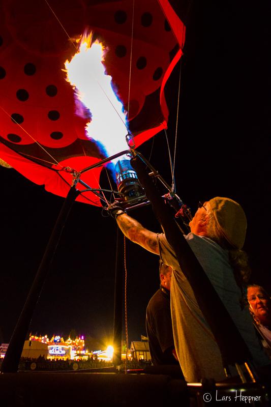 Brenner im Heißluftballon - Auszug Fotoserie Warsteiner Montgolfiade