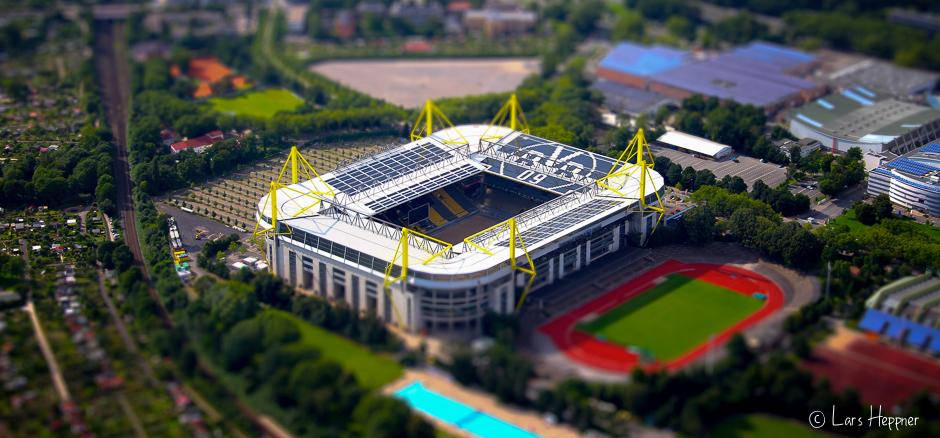 Signal Iduna Park (BVB Stadion) aus der Luft fotografiert