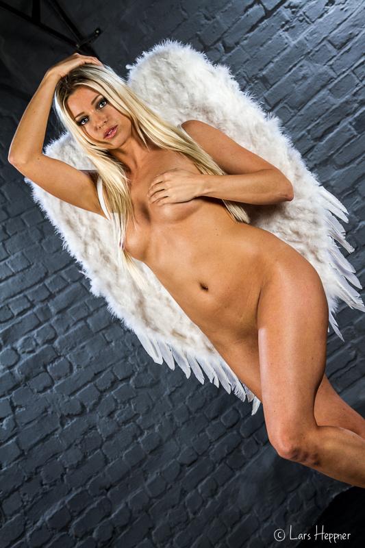 Blanka Brooke als Engel
