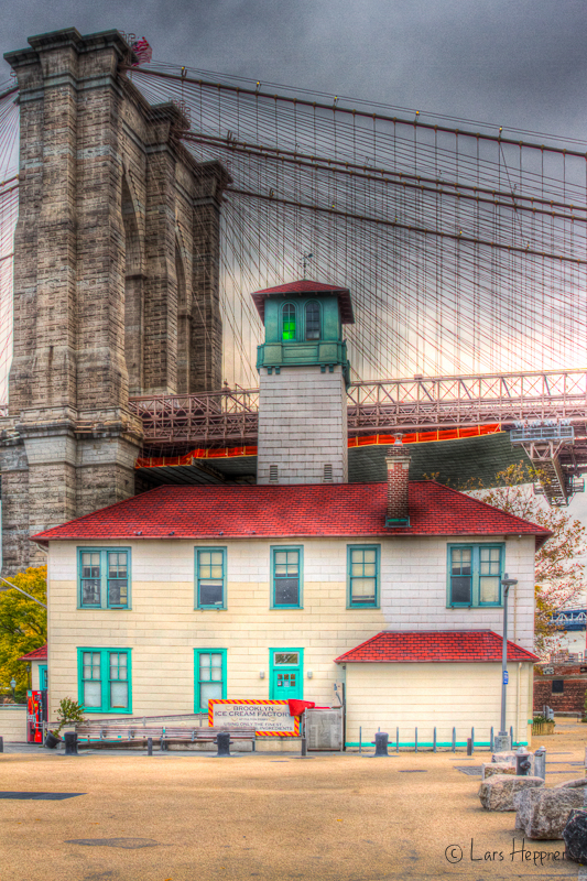 Ice Cream Factory an der Brooklyn Bridge in HDR