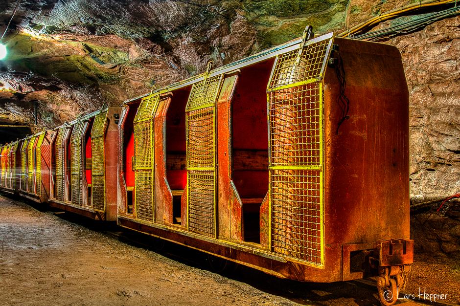 DRI Foto: Zug unter Tage