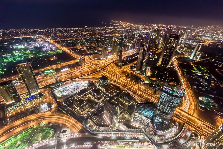 Dubai bei Nacht: Ausblick vom Burj Khalifa