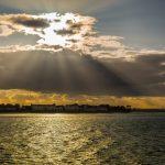 Sonnenuntergang am Meer der Halbinsel Howth