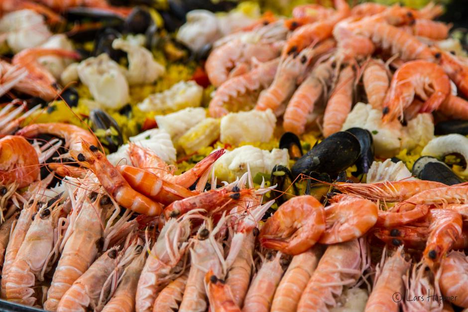Paella auf dem Fischstand