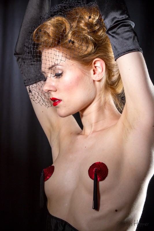 Shooting in Burlesque Dessous mit Model Amethysta