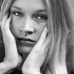 Irina_Close-Up_sw_blue-eye