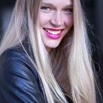 Irina_lachend