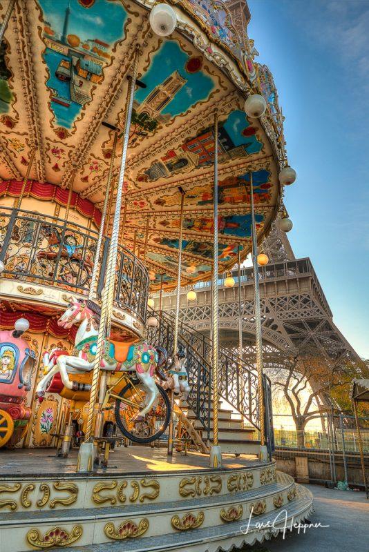 Karussell Paris Eiffelturm 2