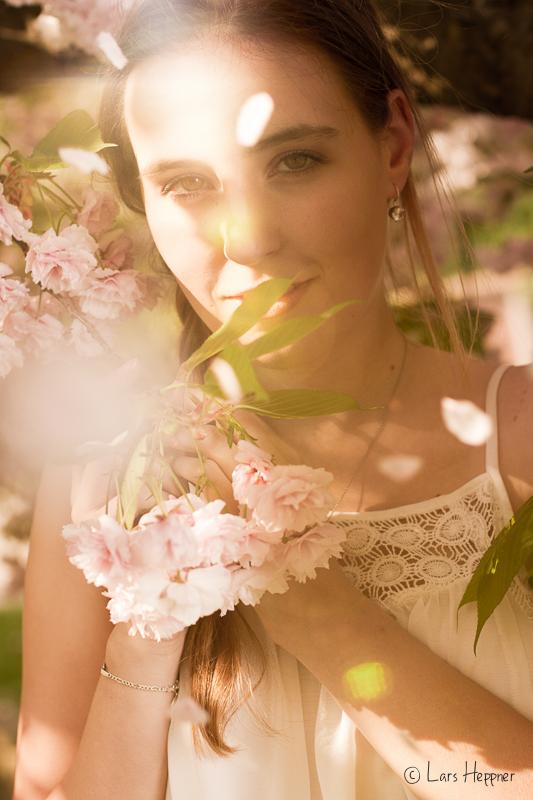 Kirschblüten Fotografie mit Sara