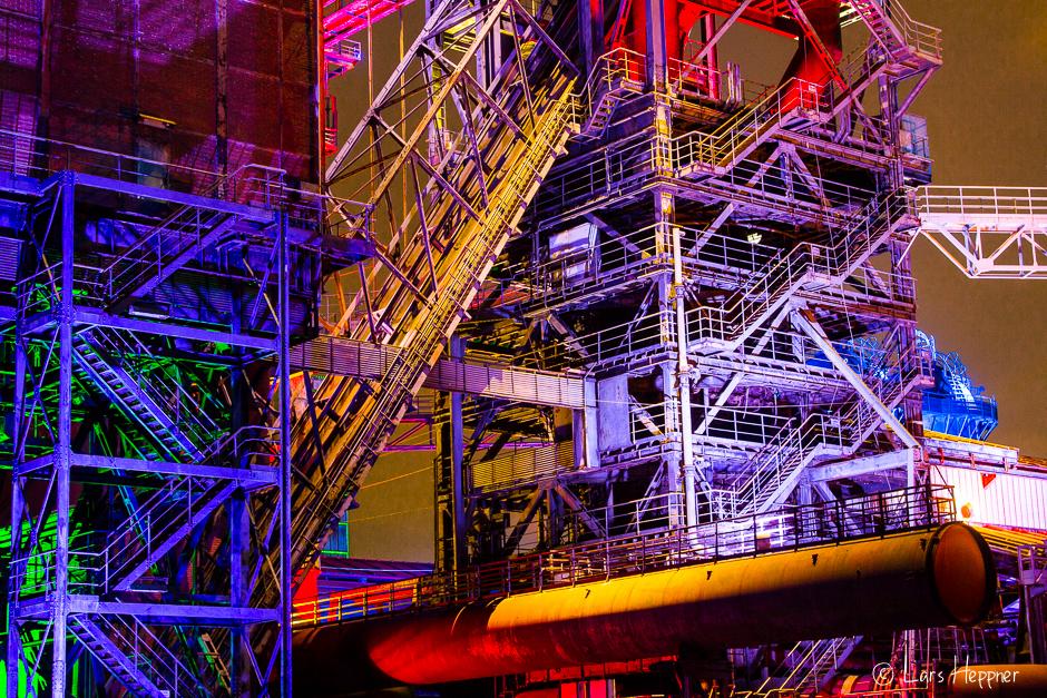 Beleuchtete Treppen im Landschaftspark Duisburg-Nord