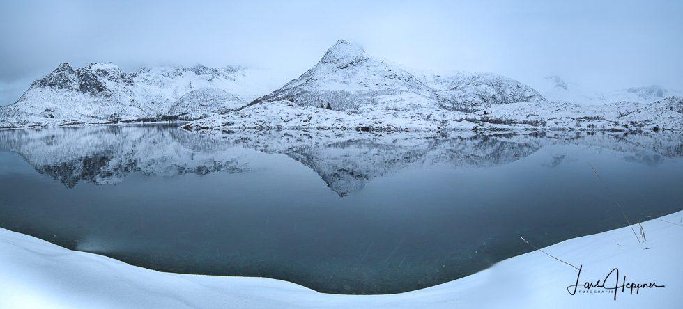 Lofoten Fjord Spiegelung
