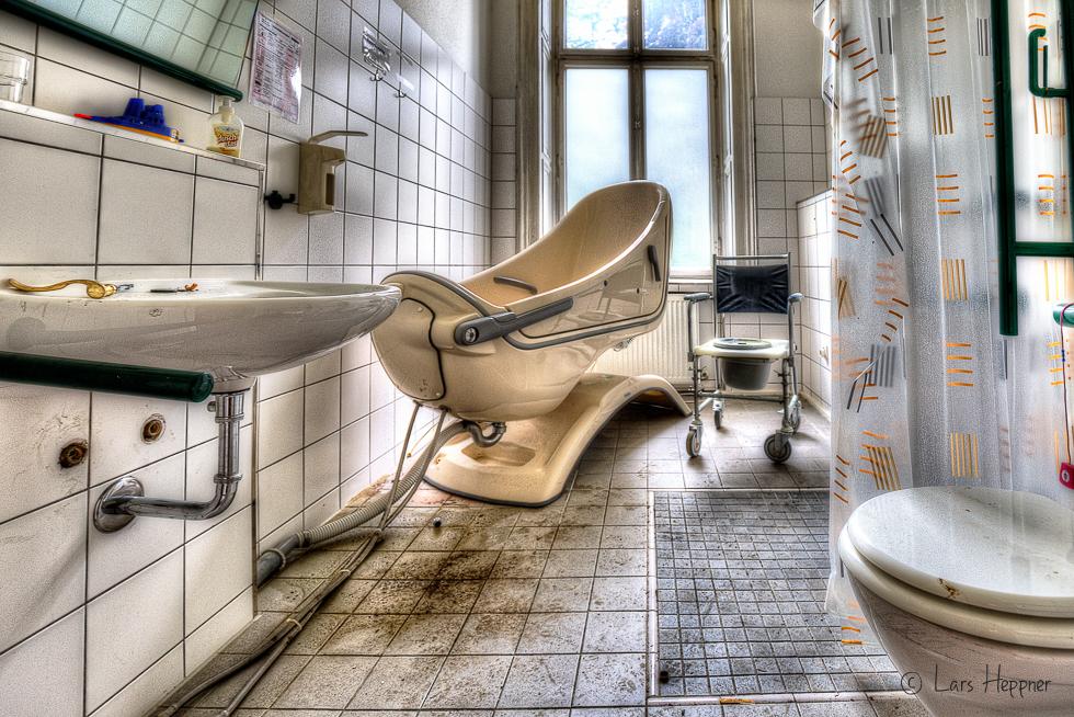 Lost Place Villa Amalia (Villa Woodstock) - Badezimmer 1