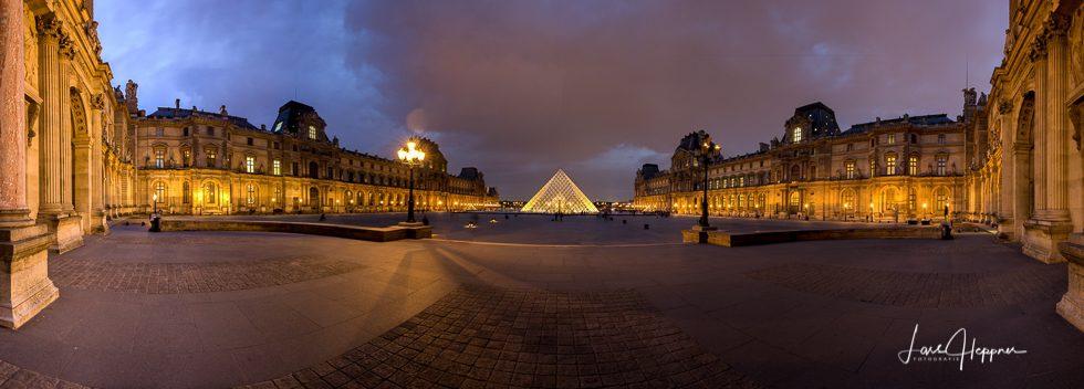 Louvre Panorama 1