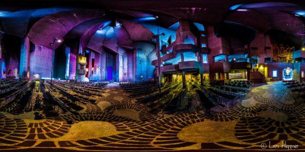 360° Grad Panorama: Architektur des Mariendom Neviges