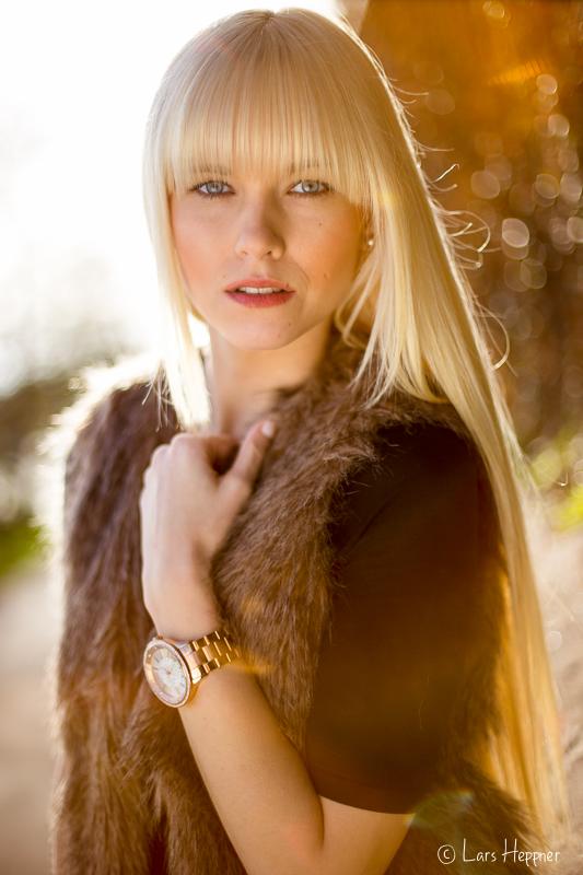 Model Miriam Buc. im Herbstlicht