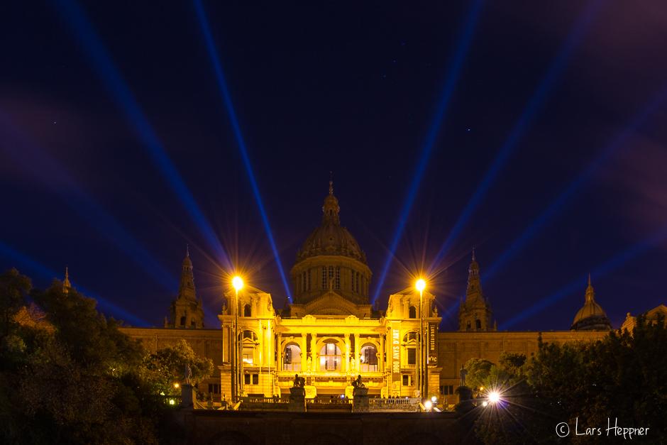 Das National Museum von Barcelona ist Nachts toll angestrahlt.