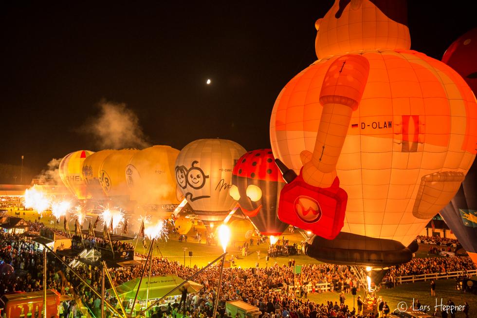 Nightglow der Ballons in Warstein