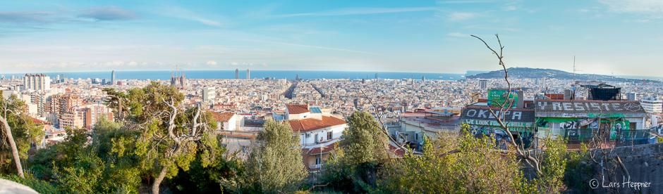 Das Panorama zeigt ein Überblick auf die Stadt Barcelona