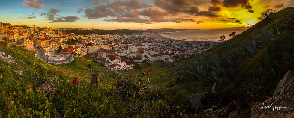 Panoramafoto über den Dächern von Nazaré