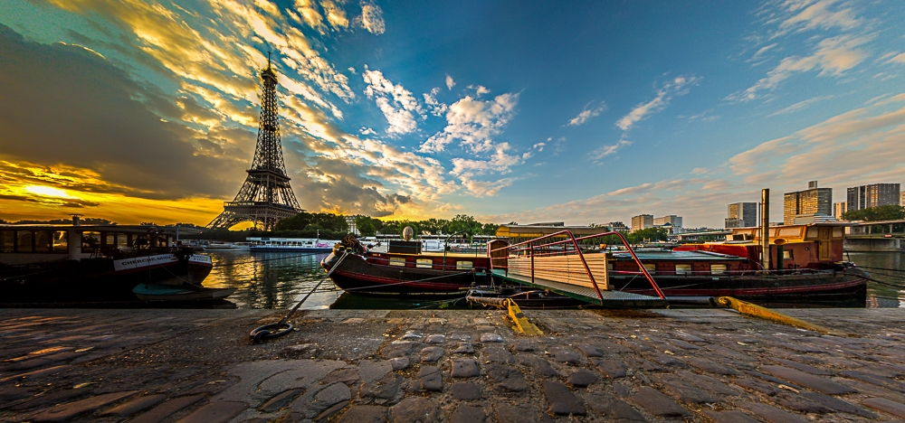 Flächenpanorama: Paris zum Sonnenaufgang