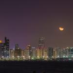 Unterwegs mit Pavel Kaplun in Abu Dhabi: Die Skyline von Abu Dhabi wurde außerhalb des Rahmenprogramms fotografiert