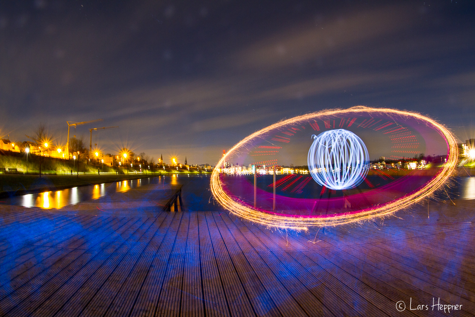 Light Painting: Ein Orb am See