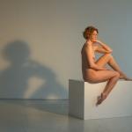 Akt-Skulptur in Farbe