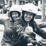 Vespa-Fahrer in Paris