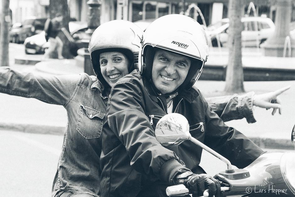 Vespa Fahrer in Paris