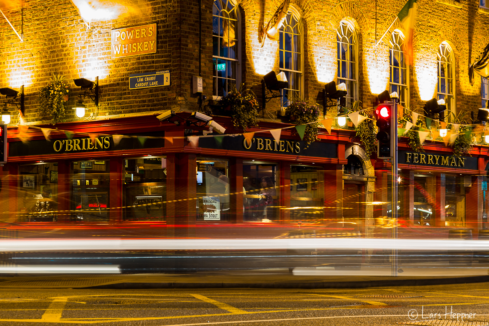 Streetfotografie Dublin: longtime exposure Traffic