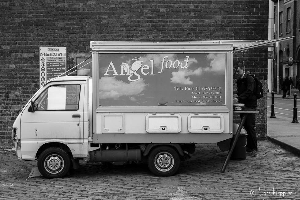 Streetfotografie Dublin: Morning coffee