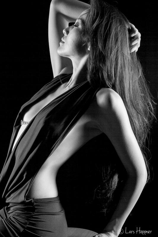 Portrait: Low Key mit Model Taisia