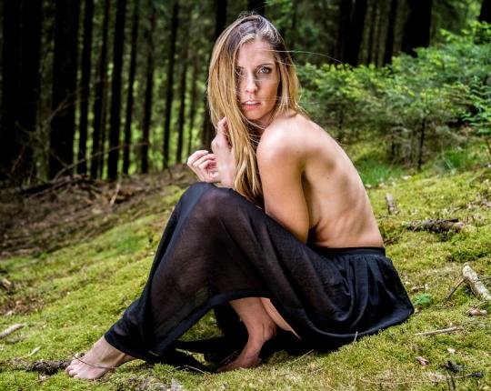 Jenni Johanna: Wald-Shooting im Sauerland